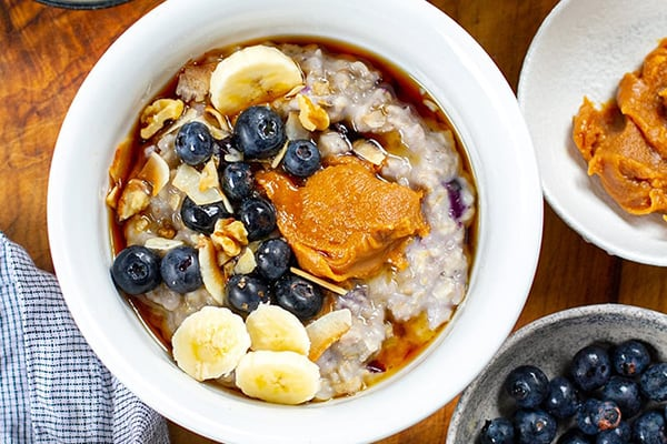 NSTANT POT BLUEBERRY OATMEAL WITH MAPLE PEANUT BUTTER