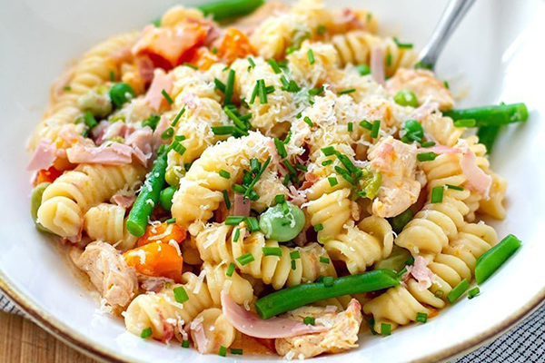 Instant Pot Chicken, Ham & Vegetable Pasta