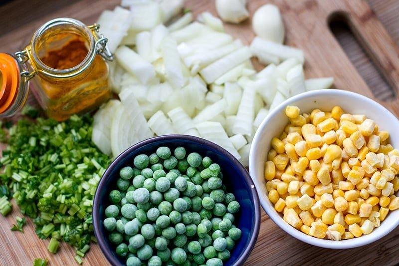 Yellow rice ingredients