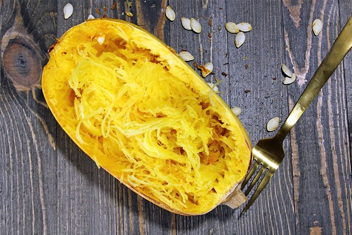 https://instantpoteats.com/how-to-cook-spaghetti-squash-in-your-instant-pot/