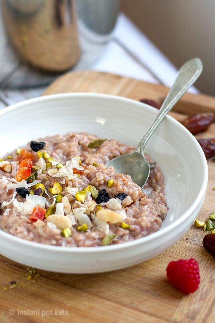 Instant Pot Rice Porridge With Chai Spices & Dates