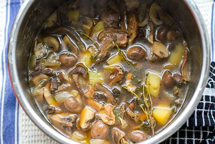 Instant Pot Soup With Mushrooms & Potatoes