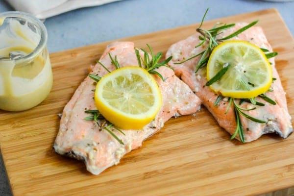 Mediterranean Salmon With Tahini Lemon Sauce