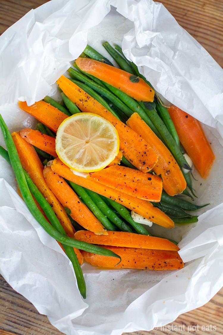 Instant Pot Carrots & Grean Beens In A Paper bag (en papillote)