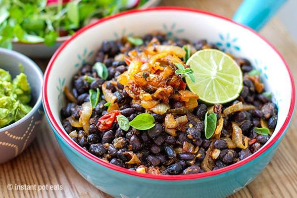 Black beans with spiced onions