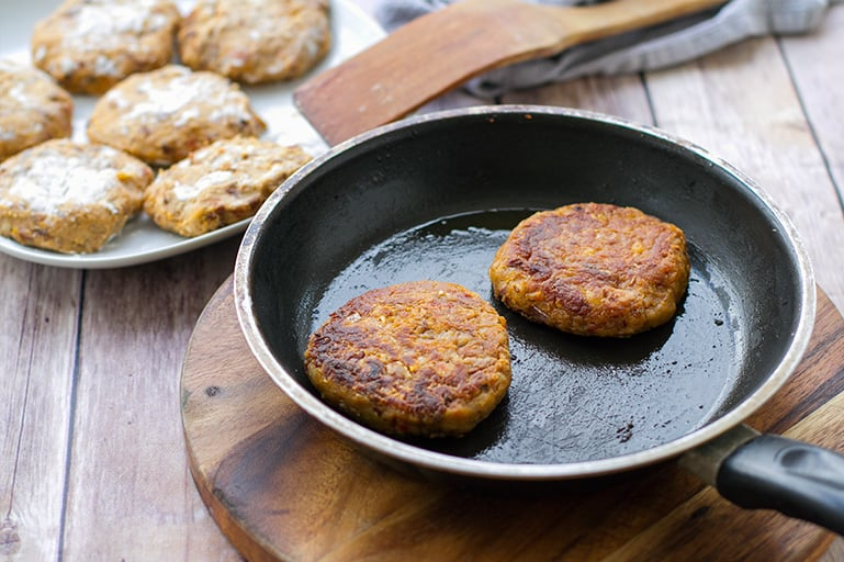How to cook bean burgers in a frying pan