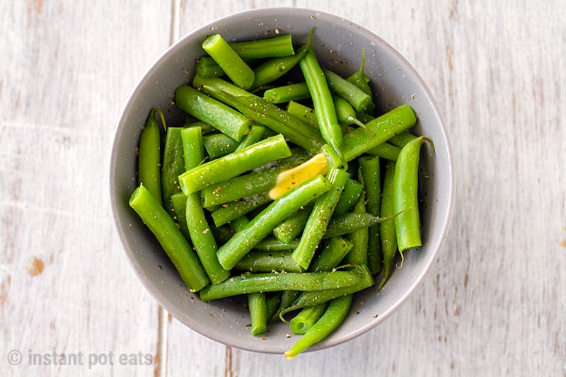 Instant Pot Green Beans With Butter & Cracked Pepper