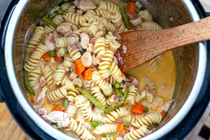 Instant Pot Creamy Chicken Pasta