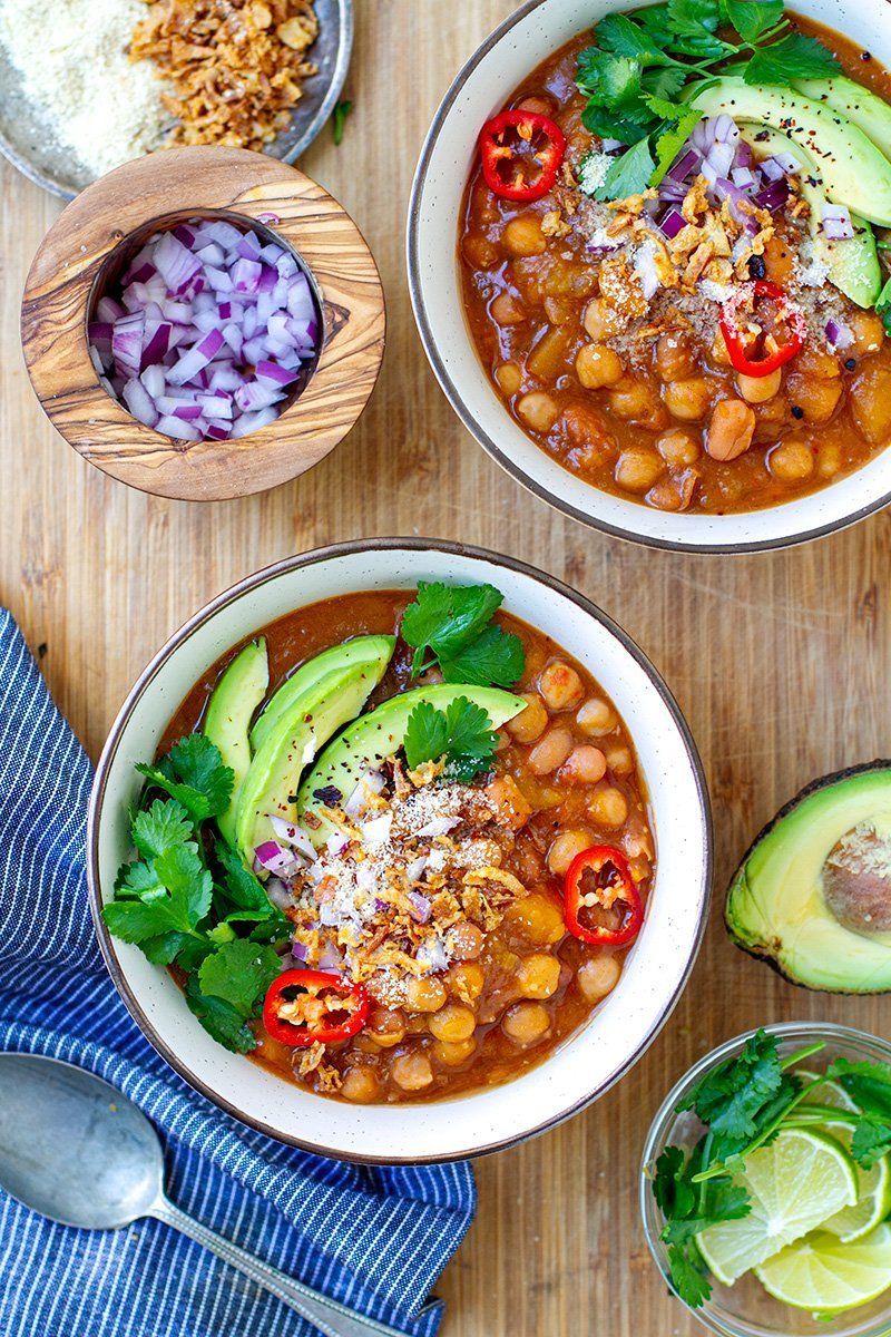 Instant Pot Vegan Chili With Pumpkin, Pinto Beans & Chickpeas