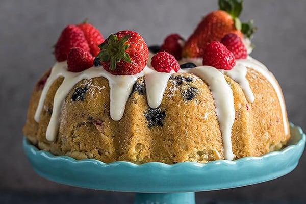 Instant Pot Berry Vanilla Cake