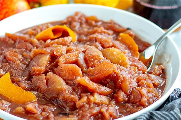 INSTANT POT STEWED APPLES IN MULLED WINE