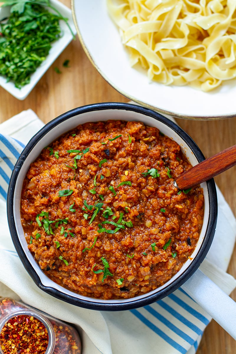 Instant Pot Vegan Bolognese With Lentils & Mushrooms