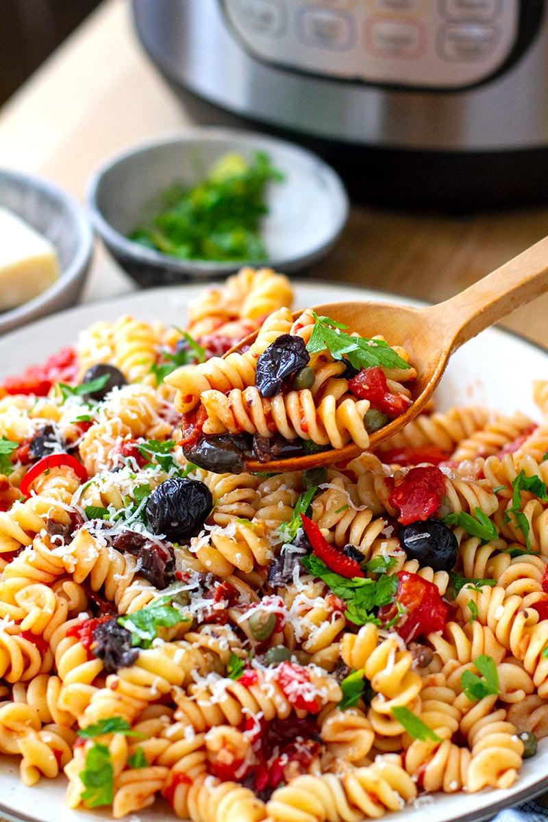 Pasta Alla Puttanesca (No-Cook Sauce, Instant Pot, Summer Recipe)