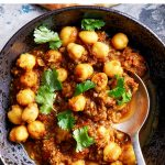 Chickpeas In Spicy Tomato Sauce (Instant Pot, Chana Masala)
