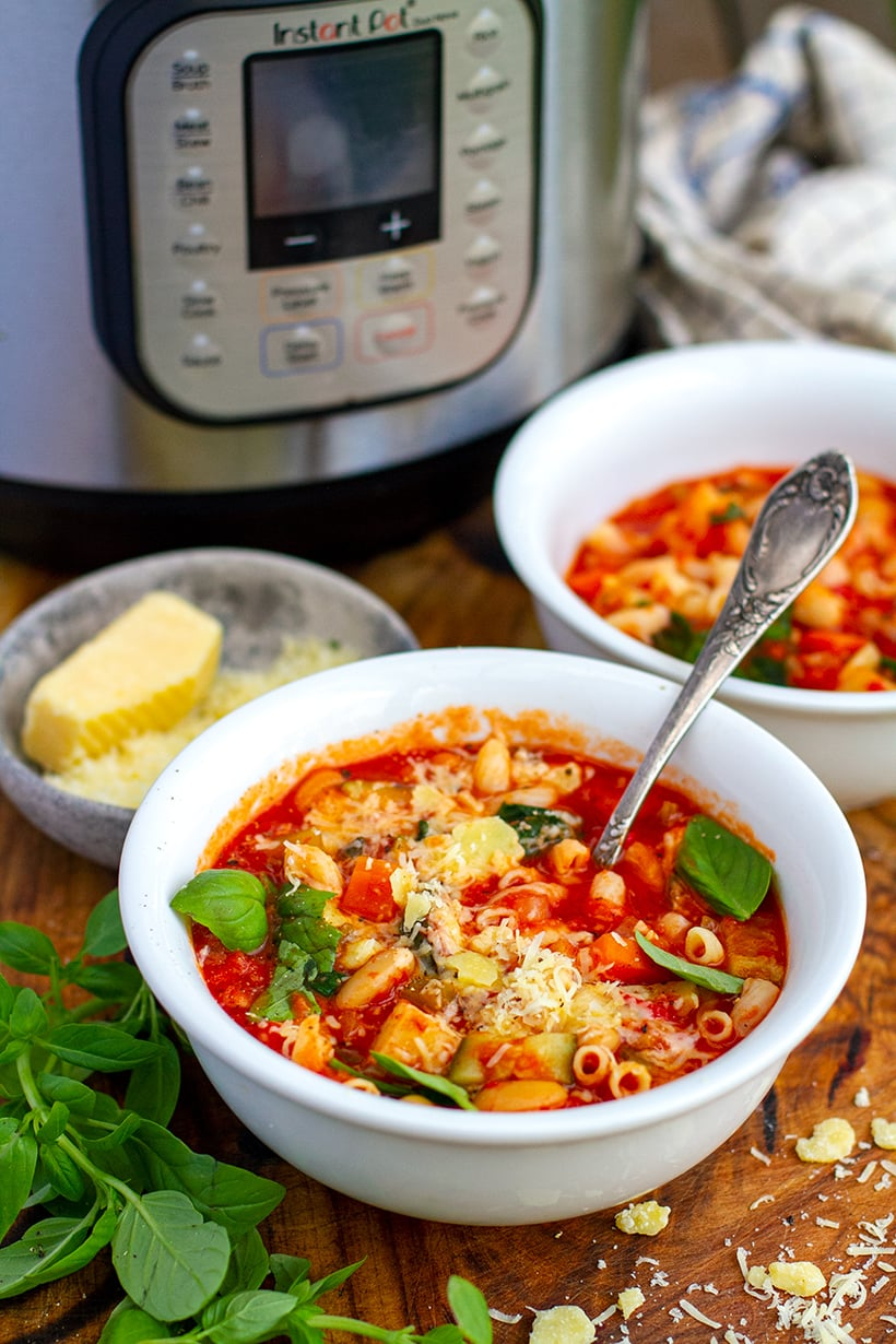 Instant Pot Minestrone (Vegetarian & Vegan-Friendly)