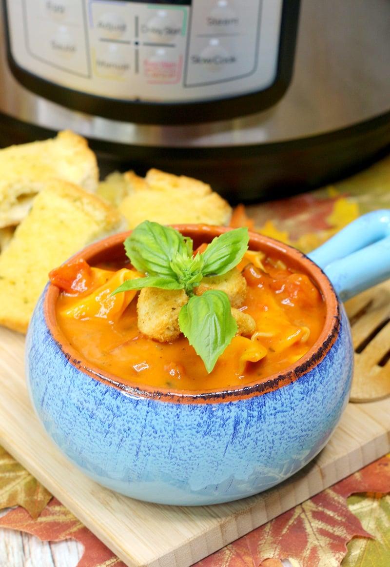 Instant Pot Tomato Basil Tortellini Soup