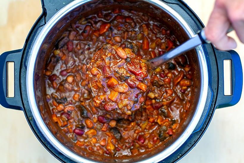 Instant Pot Mushroom Bean Chili