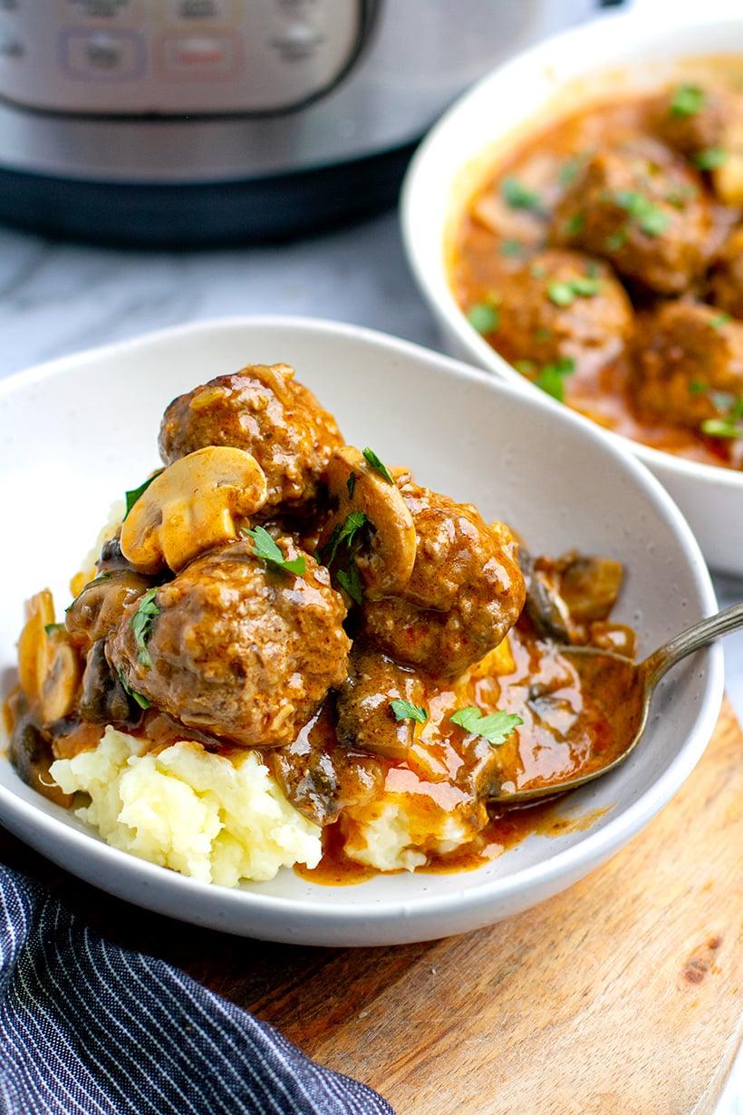 Instant Pot Salisbury Steak Meatballs With Mushroom Gravy