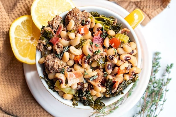 INSTANT POT BLACK EYED PEAS (SOUTHERN STYLE)