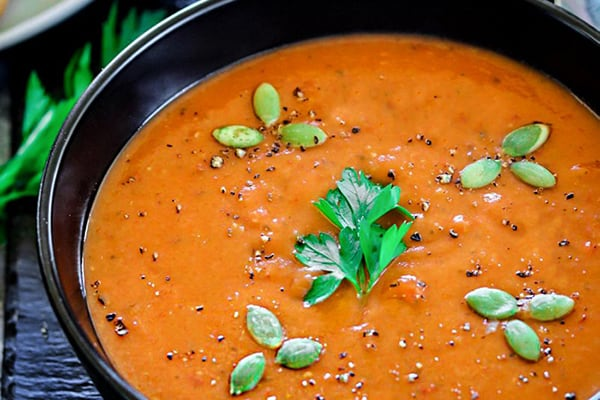 INSTANT POT ROASTED RED BELL PEPPER AND LENTIL SOUP