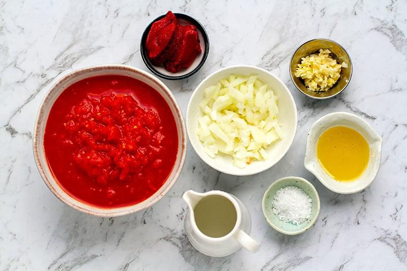 Italian tomato sauce for meatballs