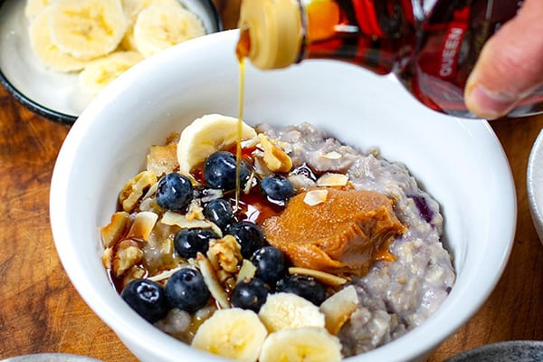 INSTANT POT BLUEBERRY OATMEAL WITH MAPLE PEANUT BUTTER