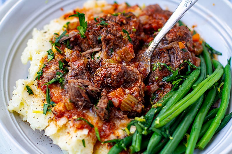Braised beef cheeks with mashed potatoes